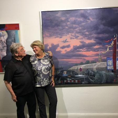 Monika Grütters mit dem Berliner Künstler Matthias Koeppel