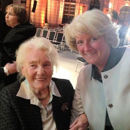 Monika Grütters mit Elisabeth Werhahn, Tochter Konrad Adenauers