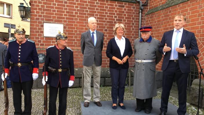 Hauptmann von Köpenick und seiner Garde