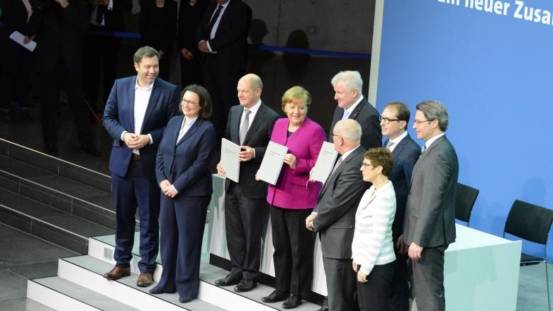 Unterzeichnung des Koalitionsvertrages. Foto: Deutscher Bundestag