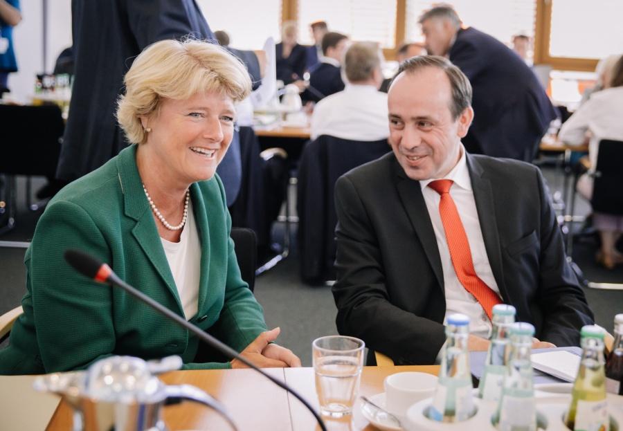 Bundesvorstandssitzung der CDU Deutschlands - Monika Grütters mit Ingo Senftleben, Vorsitzender der CDU Brandenburg