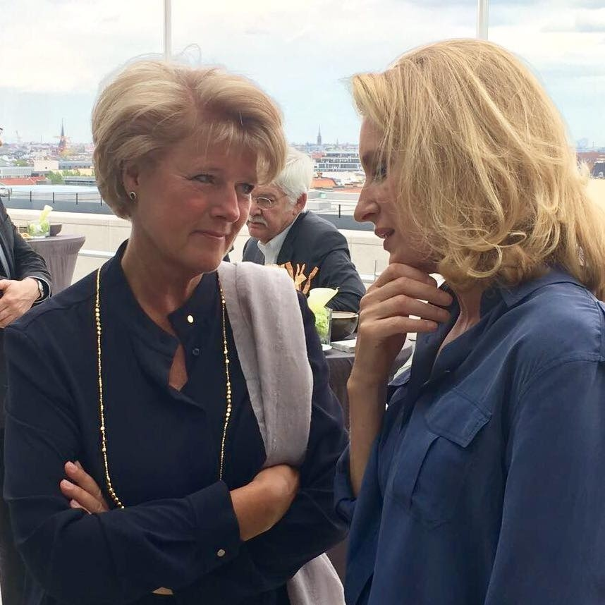 Monika Grütters mit Maria Furtwängler beim Filmempfang der CDU/CSU-Bundestagsfraktion