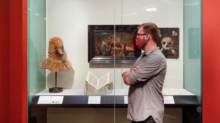 Pestmaske - Dauerausstellung im DHM © Deutsches Historisches Museum / David von Becker