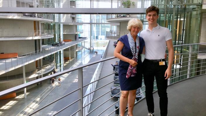 Monika Grütters und ihr PPP-Stipendiat Ben Thümer. Foto Diana Tuppack